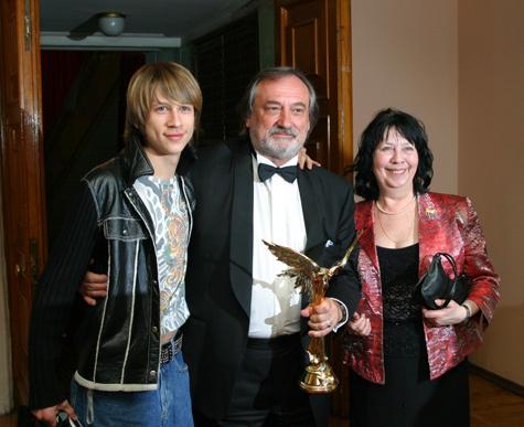 Жёны и подруги Юрия Стоянова // Экспресс газета