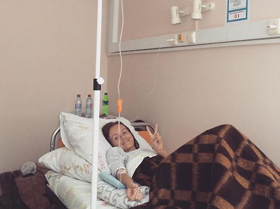 Мать раком на кухне пока у нее рука в раковине онлайн