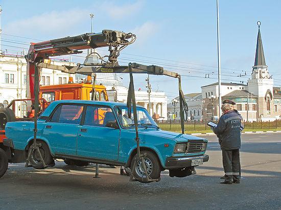 Неправильно припаркованные авто отбирают у владельцев и продают  по сомнительной схеме