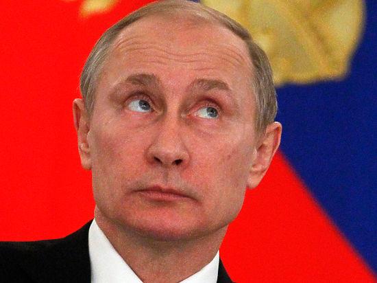 Политологи начали агитировать Путина остаться на четвертый срок