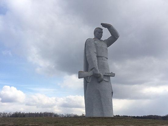 Знаменитый мемориал  героям-панфиловцам  оказался бесхозным