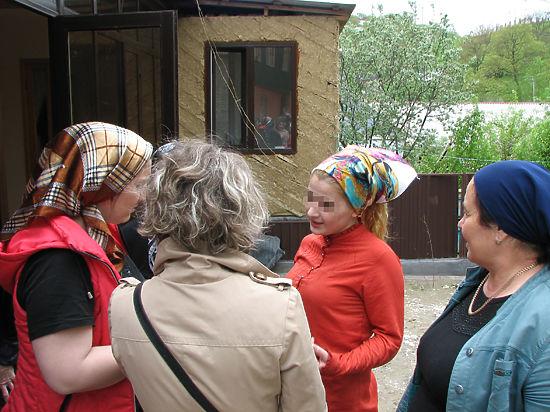 Из-за поездки к Гойлабиевой чеченцы объявили журналиста «МК» в розыск