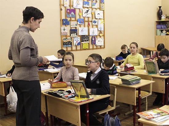 Учителя будут перебегать  из школы в школу?