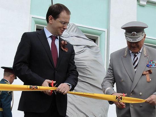 Мединский предложил поставить в Крыму памятник Махно и Врангелю