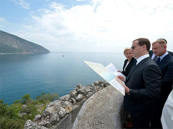 Медведев про отдых в Крыму: качество сервиса