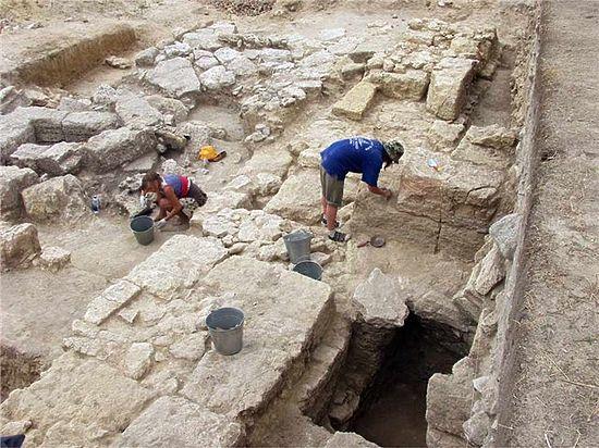 Петербургские археологи исследуют