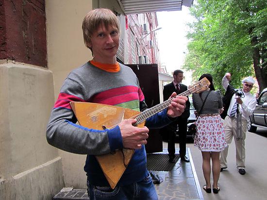 Уличных музыкантов приравняли  к нарушителям общественного порядка