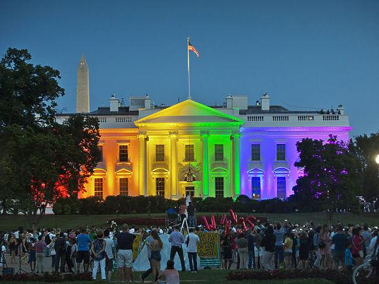 Почему США устраивают такую шумиху вокруг легализации однополых браков?