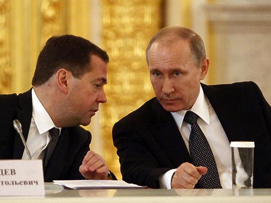 Отставка Медведева: когда он перестанет разрываться между партией и правительством