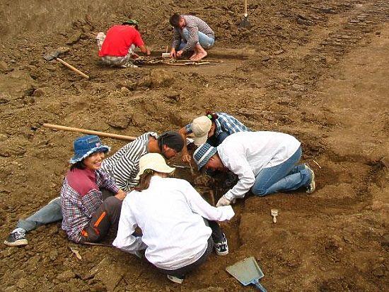 В Старой Ладоге юноша из Крыма нашел клад с серебром