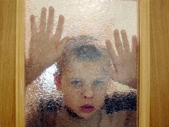 Почему  органы опеки зачастую забирают детей изблагополучных, нонебогатых семей