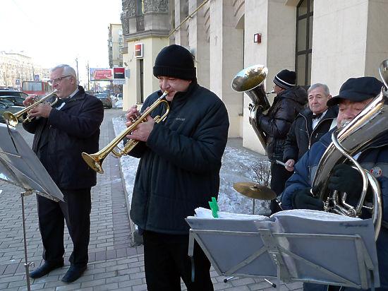 В московских ЗАГСах меняется репертуар: в моде военные марши