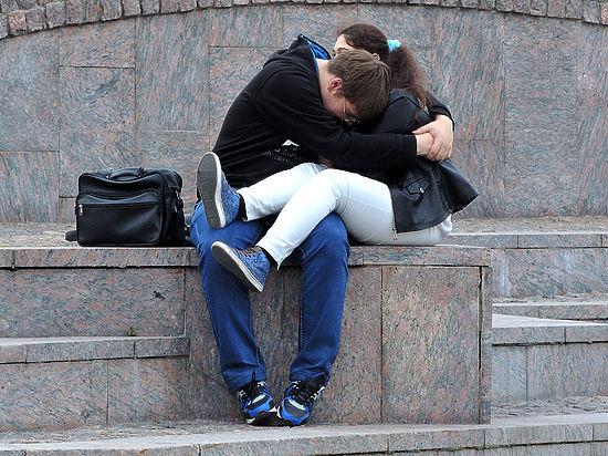 Секс наскучивает уже через год после начала отношений