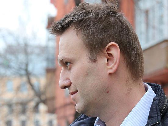 Навальный может сесть в тюрьму за побег от пристава