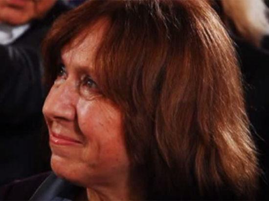Нобелевский лауреат Светлана Алексиевич потребовала помочь Украине и освободить Савченко