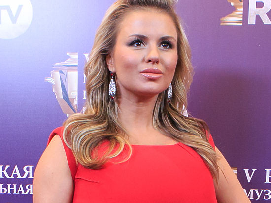 Анна Семенович ушла от Юдашкина без шубы