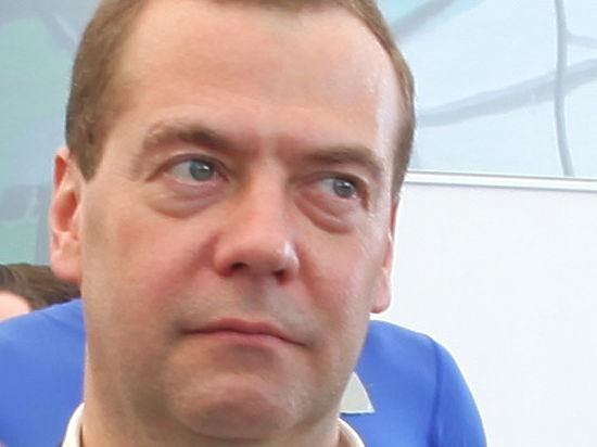 Кто заплатит 4,5 миллиарда за распоряжение Медведева провести праймериз ЕР