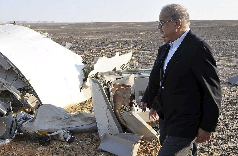 13 Фотографий с места крушения самолета A321 в Египте