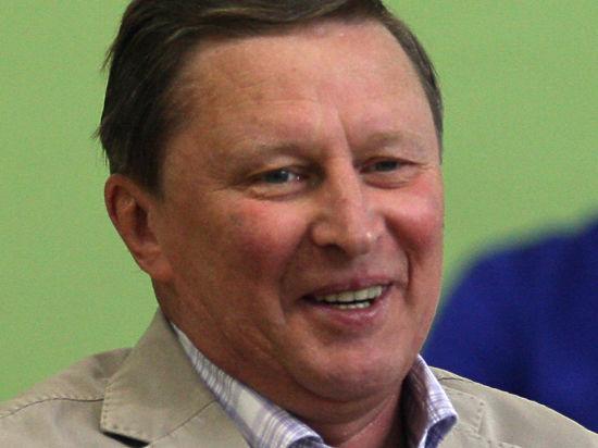 Глава АП Сергей Иванов оплатил старый долг, равный цене «поллитры»