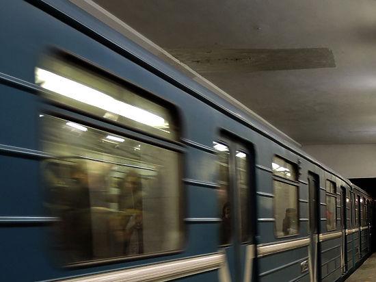 Установлена личность пенсионерки, спрыгнувшей на крышу поезда метро