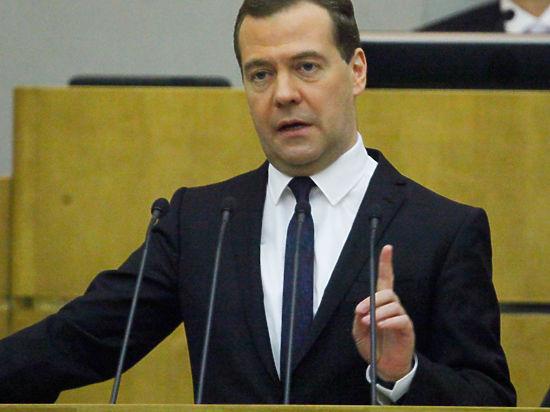 Медведев отобрал у матери главы «Трансаэро» право сертифицировать российские самолеты