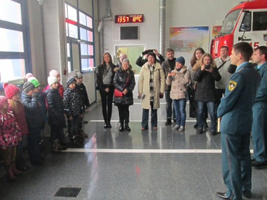 Пожарные Одинцово отчитались перед первоклассниками