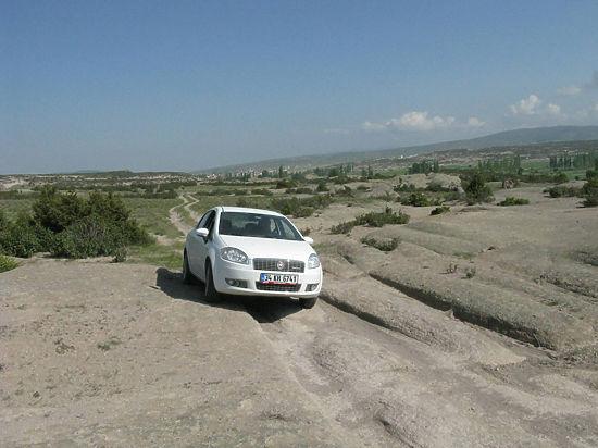 Геологи нашли в Турции следы доисторических автомобилей и города гномов