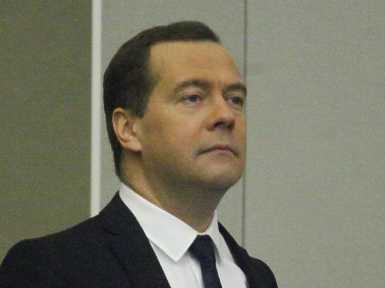 Медведев - о туристическом кризисе: Государство не должно навязывать россиянам маршруты