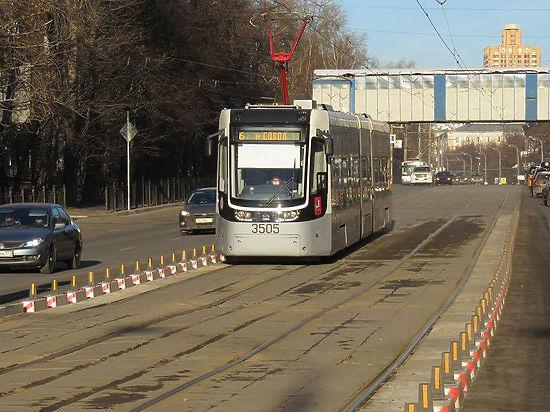 Найден новый способ борьбы с любителями выезжать на трамвайные пути
