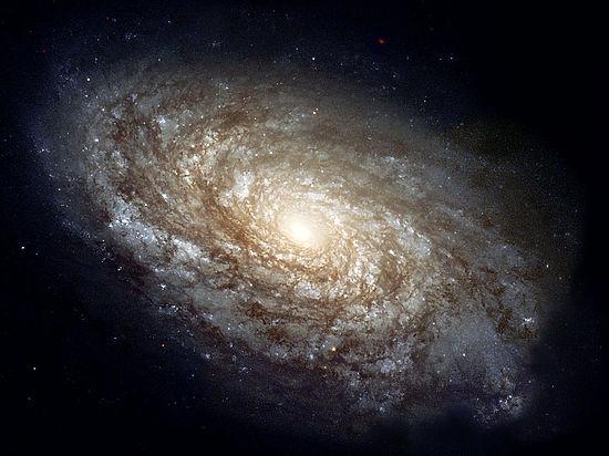 Ученым удалось измерить магнитное поле черной дыры в центре Галактики