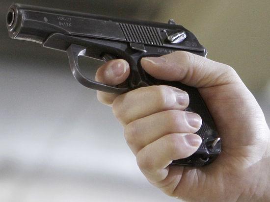 Сотрудник МУРа расстрелял дебошира, который пытался угнать полицейскую машину