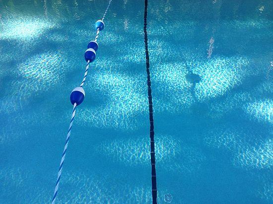 Владелец московского хостела пытался изнасиловать тренера прямо в бассейне