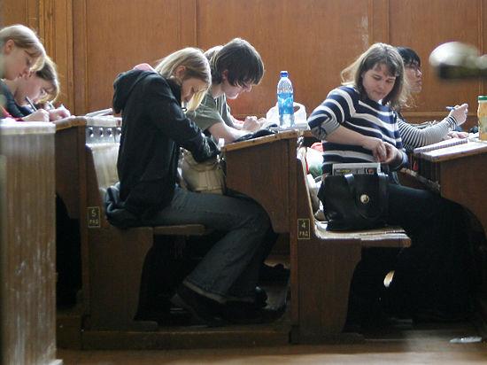 СМИ сообщили об отчислениях и обысках турецких студентов в России