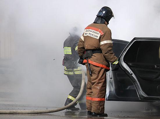На Рублевке подожгли 5 новых спорткаров BMW