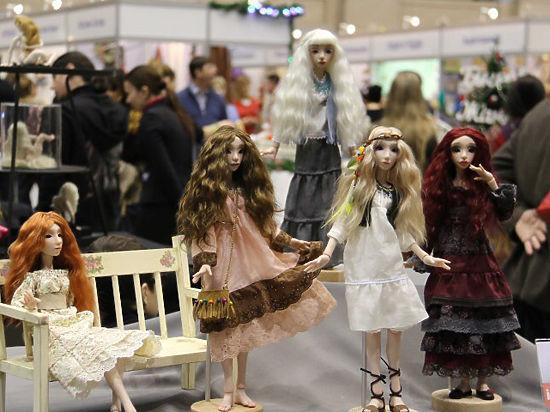 Уникальная выставка в Москве: кукольный гламур и королевство белых ночей