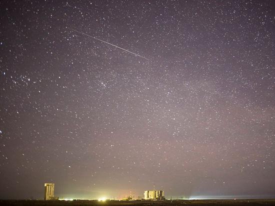 NASA опубликовало фото метеора, пролетевшего над Байконуром