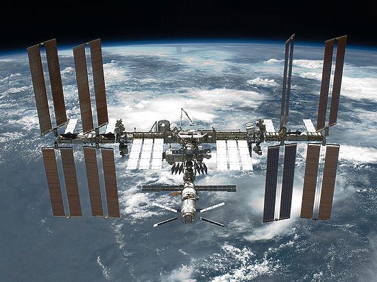 Перед сбоем при стыковке «Союза» с МКС космонавты обсуждали обстрел метеоритами