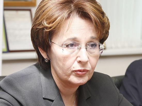 После отмены индексации Оксана Дмитриева предсказала  отмену пенсий работающих