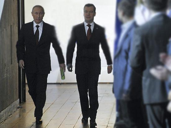 Медики объяснили особенности походки Путина и Медведева
