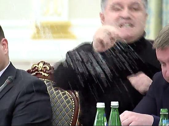 Аваков извинился за эмоции и подал в суд на Саакашвили