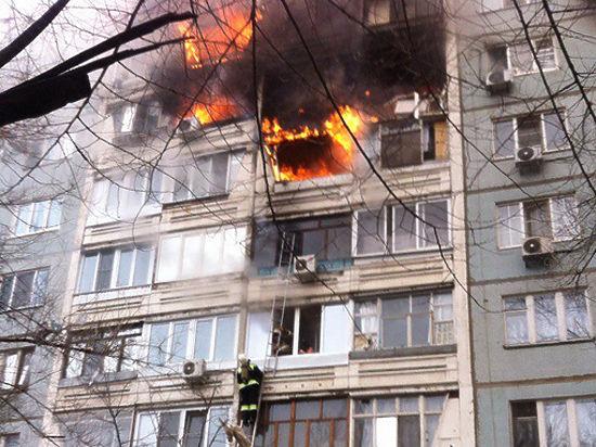 Жители Волгограда покидают район, где произошел взрыв в жилом доме