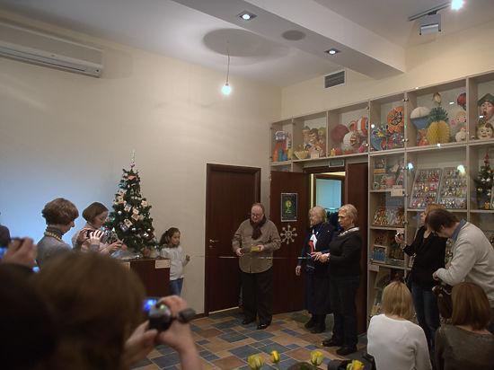 Сыщик Морковь и райсовет с конфетами: самые дорогие елочные игрушки в истории России