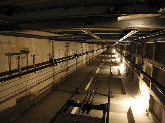 В Москве лифт обрушился в шахту вместе с пассажиркой