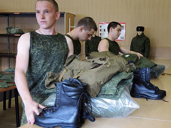 В армию России призвали тысячу человек из Крыма