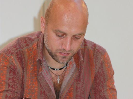 Прилепину написали благодарственное письмо за помощь детским домам Донбасса