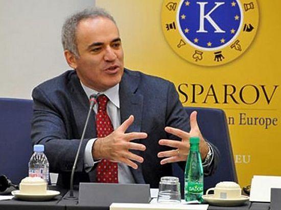 Каспаров отвечает на вопросы под Новый год