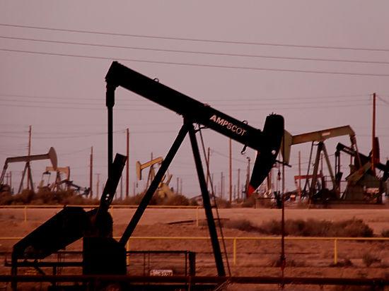 Цены на нефть падают сильнее: где дно, не знает никто