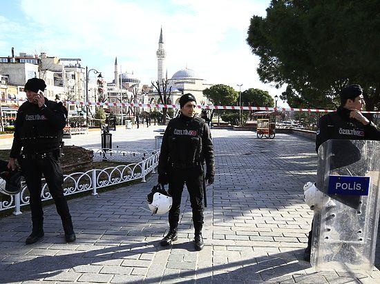 В центре Стамбула взорвался смертник, количество жертв растет