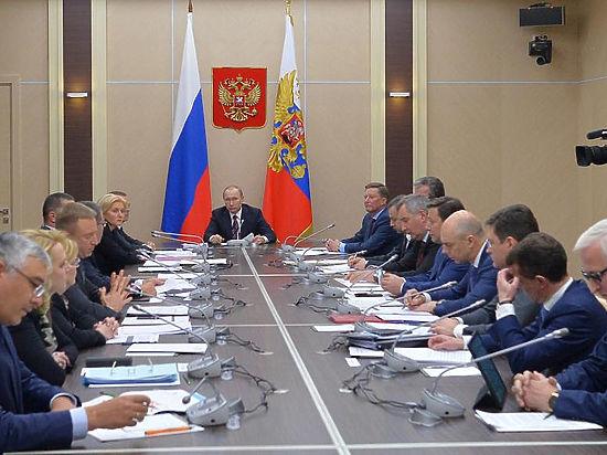 Путин и правительство отделались от экономического кризиса пустыми лозунгами