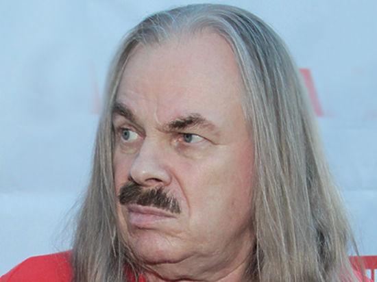 Владимиру Преснякову-старшему сделали операцию по удалению полипов в носу